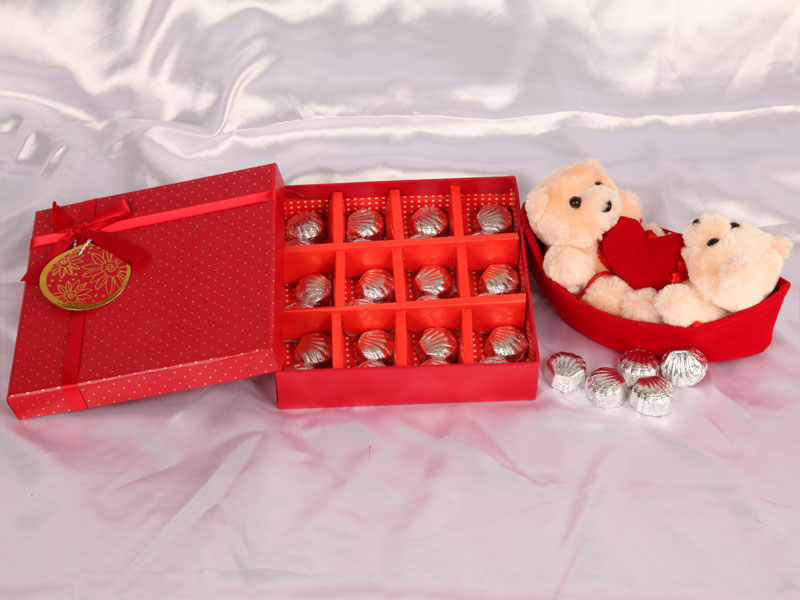 luxurious_chocolate_in_teddy 35 Most Mouthwatering Romantic Chocolate Gifts