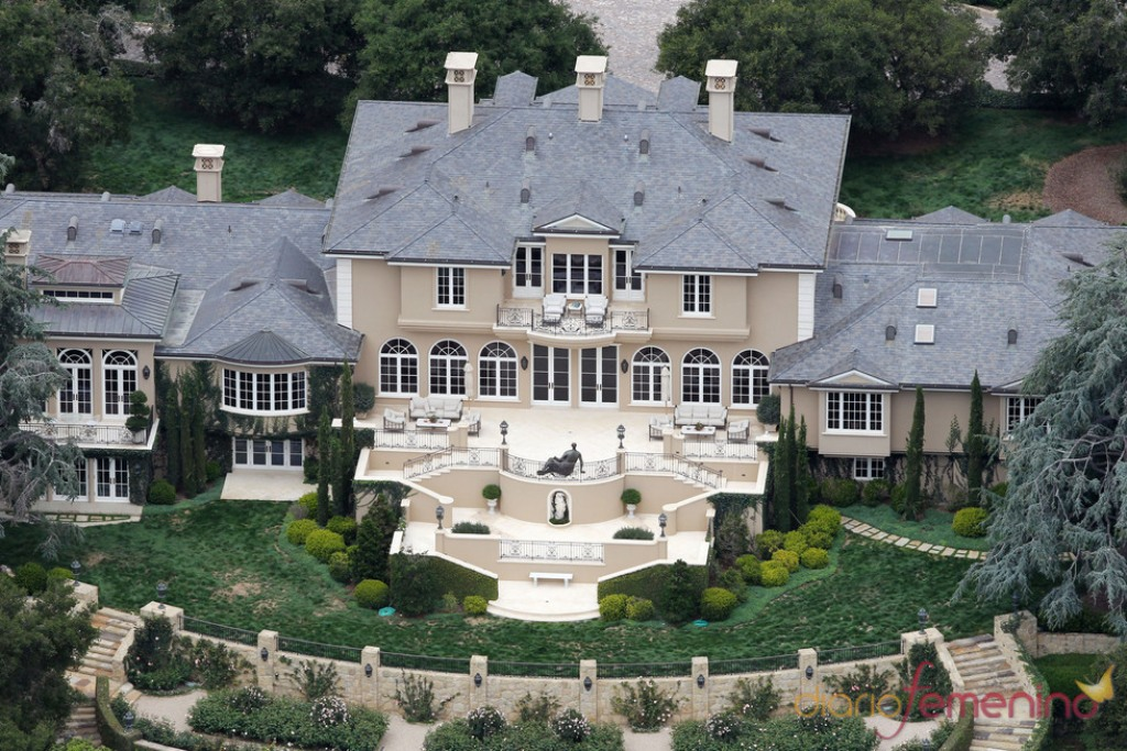 mansion-de-oprah-winfrey Top 15 Most Expensive Celebrity Homes