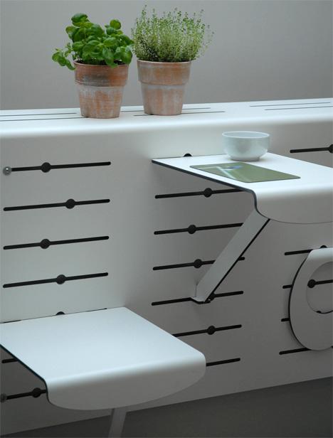 modern-balcony-planter-rack-2 How Do You Choose Your Balcony Furniture?