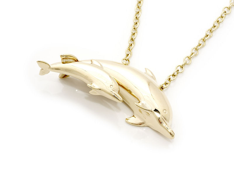 mother-and-baby-dolphin-gold-necklace Best 30 Inspiring Jewelry Designs