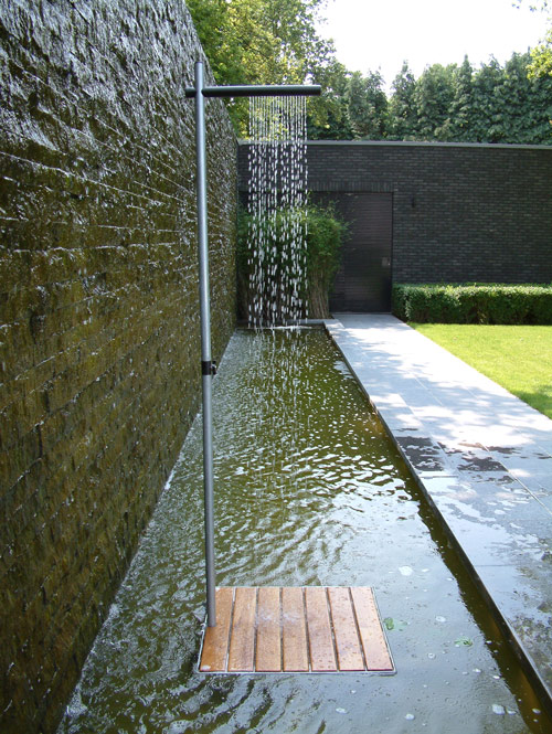 outdoor-shower-tradewinds-cascasde-2 Outdoor Showers Can Make You Feel Cool In The Hot Summer