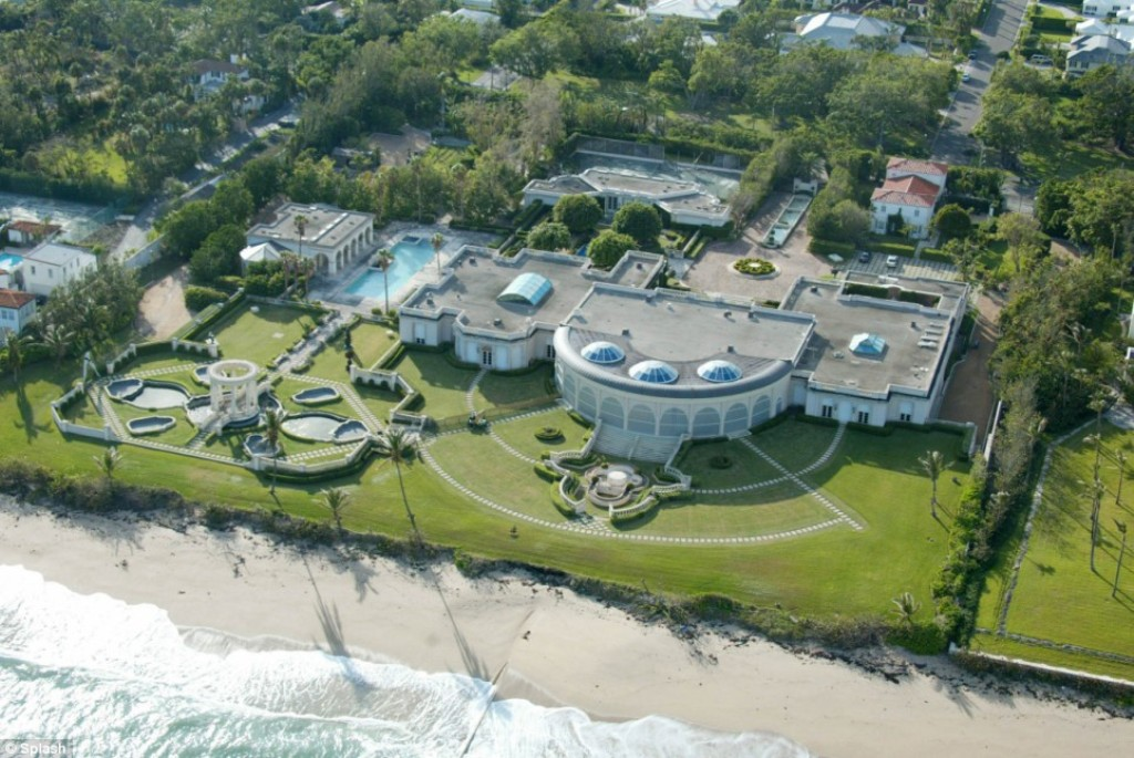 palmbeach-trump-mansion Top 15 Most Expensive Celebrity Homes