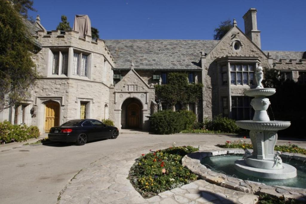 playboy-mansion-in-los-angeles Top 15 Most Expensive Celebrity Homes
