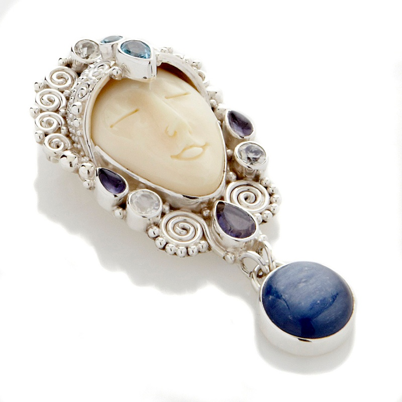 sajen-silver-by-marianna-and-richard-jacobs- 35 Goddess Jewelries for Those Who Like History