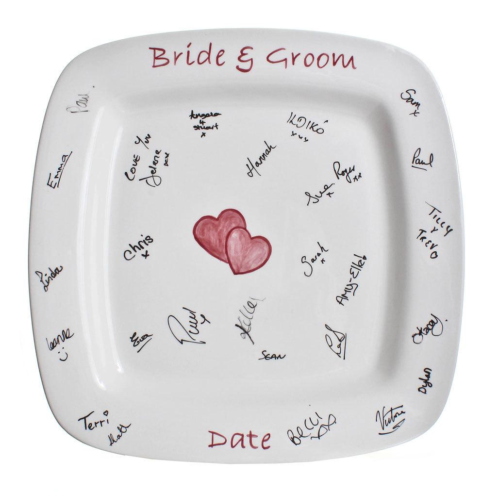 signature-plate-creative-wedding-guest-book.original 20 unique wedding giveaways ideas