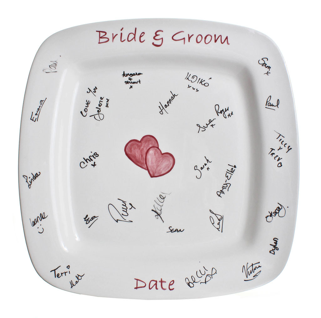 signature-plate-creative-wedding-guest-book.original 20 unique wedding giveaways ideas