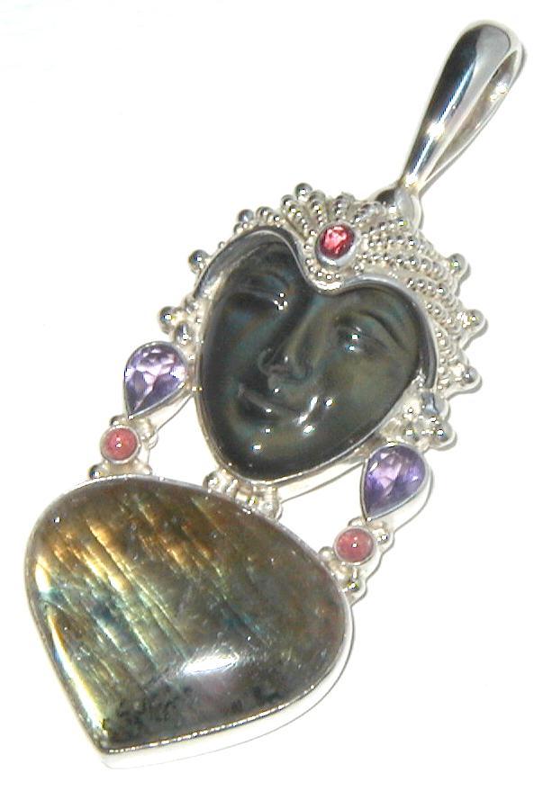 silver-sajen 35 Goddess Jewelries for Those Who Like History