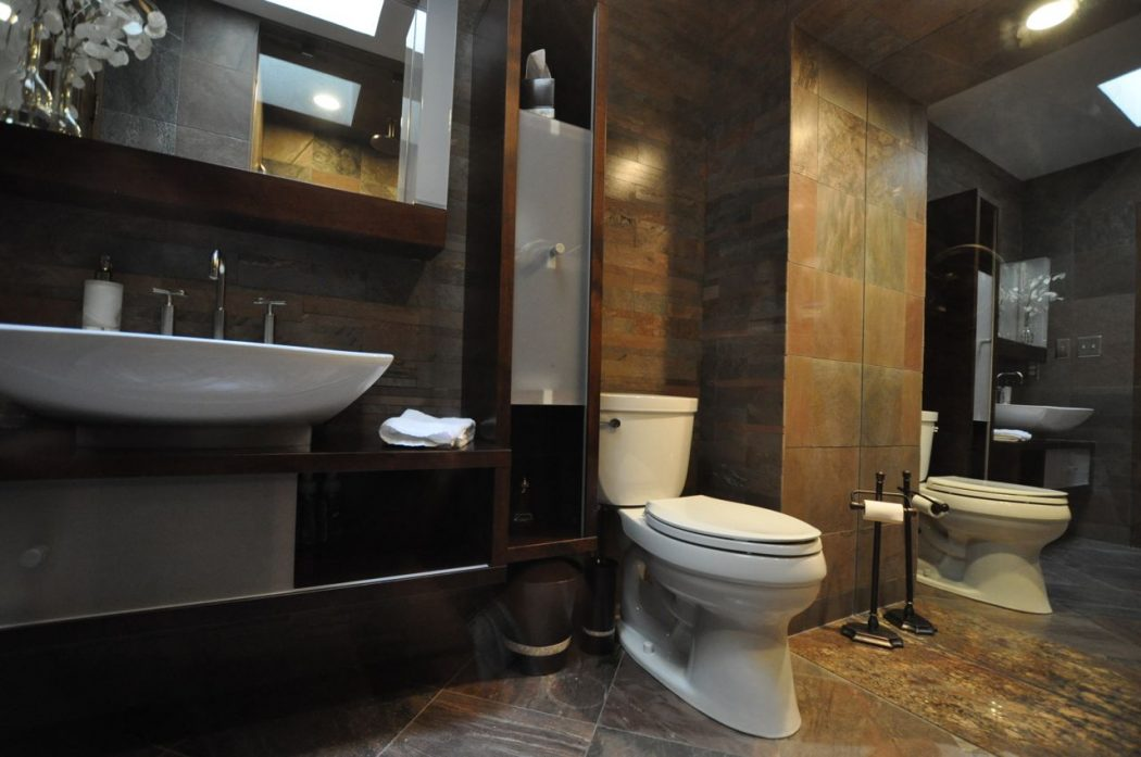 Interior design of small bathroom for Small lavatory designs