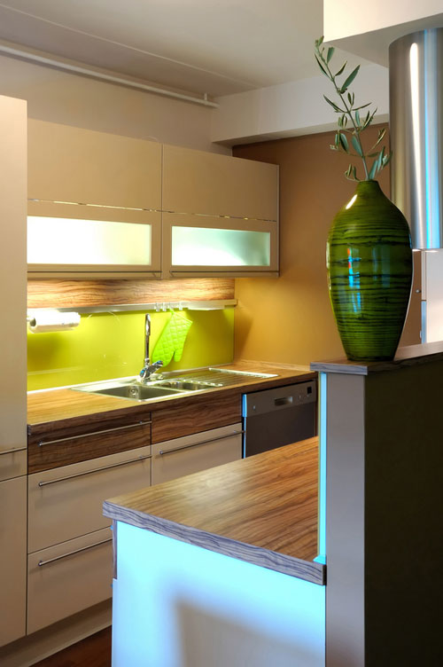 """small-kitchen-design-12 The Problem Of Your Small Kitchen Solved By the """" Compact """" Design"""