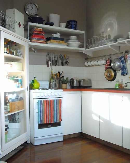 "small-kitchen-design-35-500x623 The Problem Of Your Small Kitchen Solved By the "" Compact "" Design"