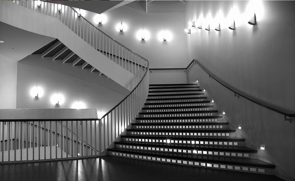 stair7 LEDs 10 uses in Architecture