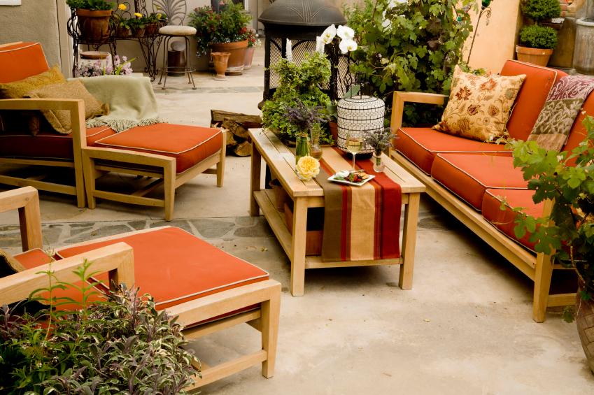 teak-patio-furniture How Do You Choose Your Balcony Furniture?