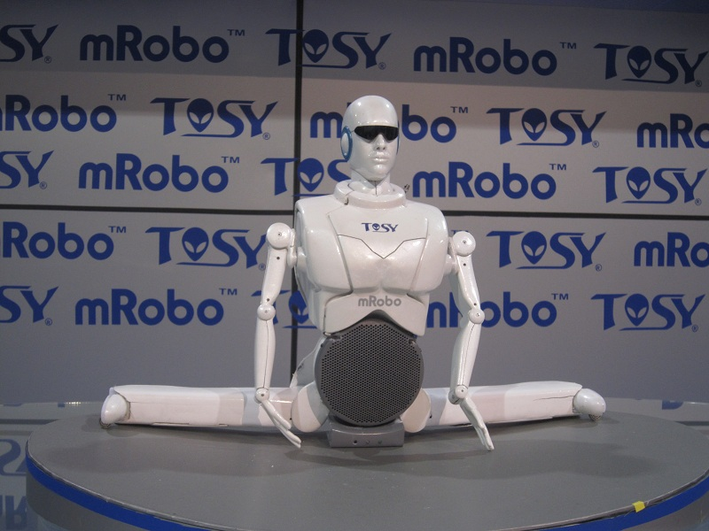 tosy-mrobo-2 Are you stressed? Watch these Robots Dancing Gangnam Style