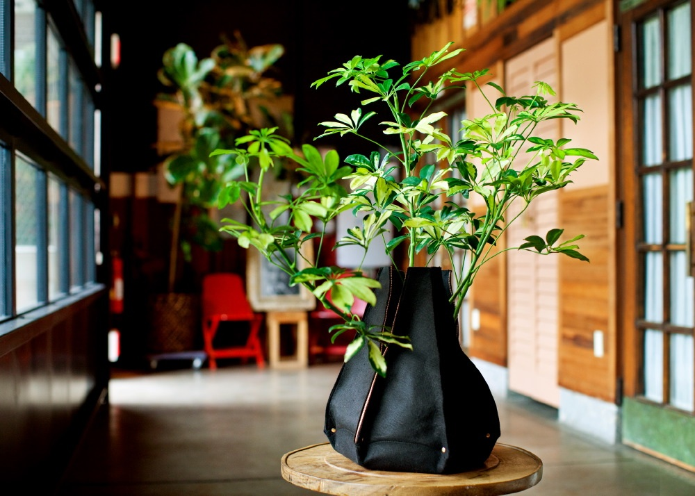 woollypocket-picottephotography-6sidedsmog 10 Fascinating and Unique Ideas for Portable Gardens