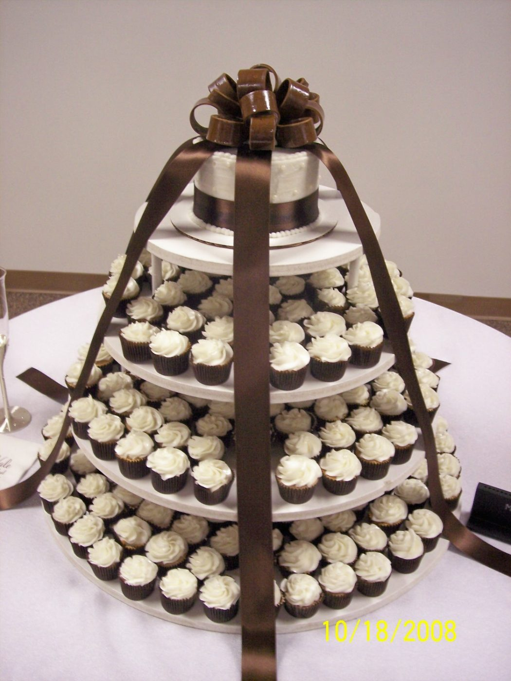 10-18-08_hinson-nale_wedding Cupcakes Are So Easy To Be Made At Home