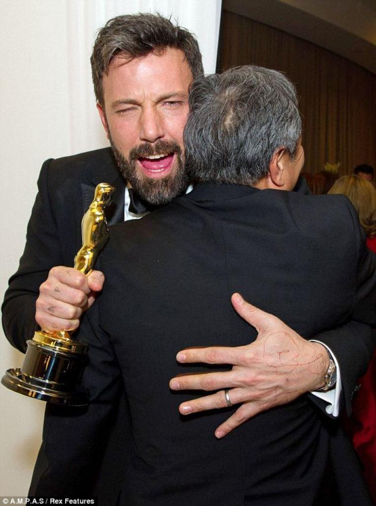 Ben-Affleck Best 10 Images for Awards in 2013
