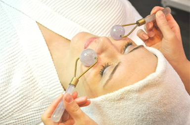 Gemstone_Facial_Chicago-1 6 Ways Of Treatment By Stones And Jewelry