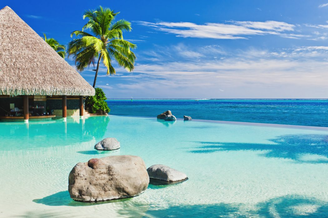 Taiti_3 Top 10 Most Luxurious Honeymoon Destinations .. [2019 Trends]