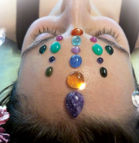 crystal-healing-treatment-475x491-1 6 Ways Of Treatment By Stones And Jewelry