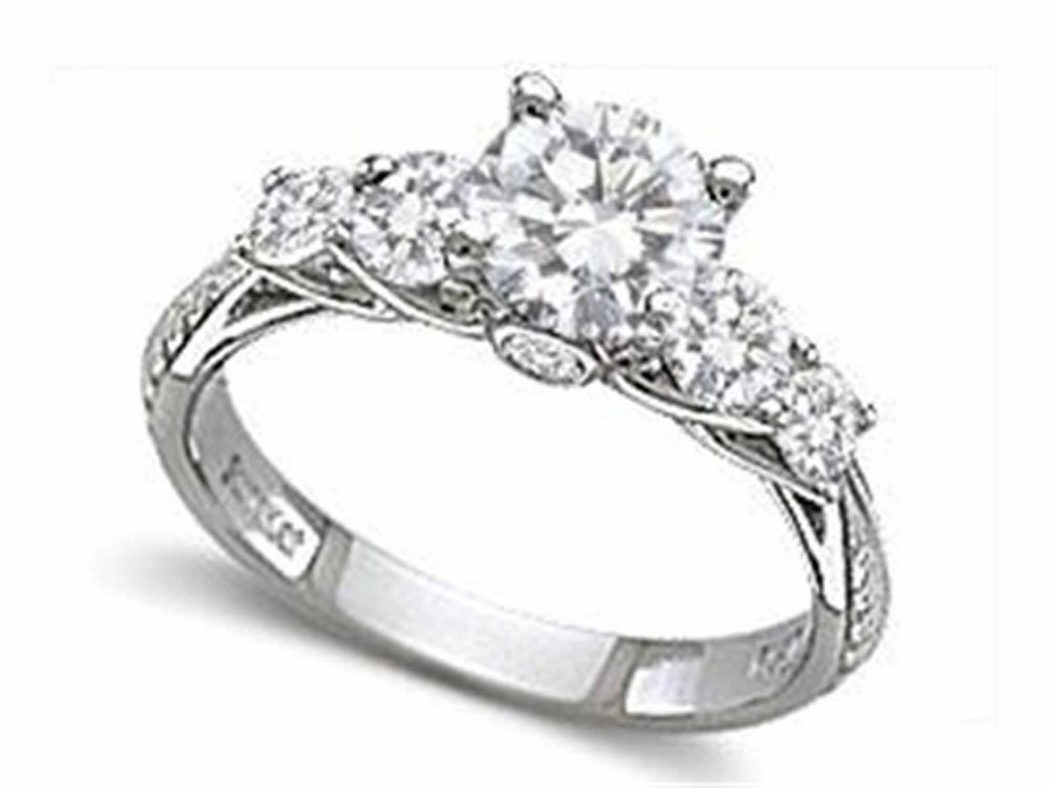 engagement-rings-513c2c70b7e97 Surprise Your Fiance With Diamond Engagement Ring, But How !!