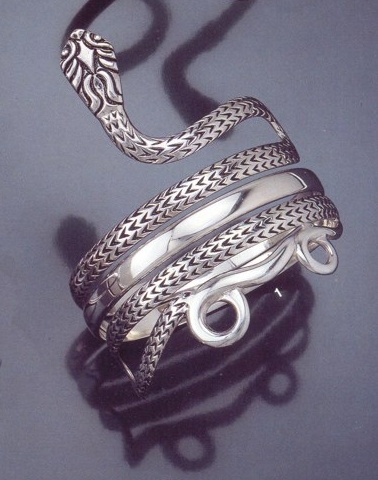 forearm-1_greek_jewelry_shop_vaphiadis_jewellery_vividly_carved_ancient_snake_bracelet 89 Ancient Egyptian's Jewels And The History Of Jewelry
