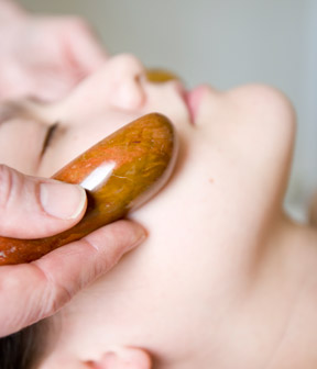 massage-wand-sets_thumb-1 6 Ways Of Treatment By Stones And Jewelry