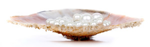 pearl2-300x95-1 What Are The Best Types Of Pearls For Evenings And Occasions?