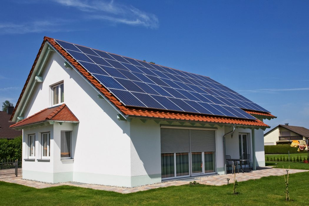 solar-panels1 Creative Trick to Reduce Your Electric Bills By 75% Using Solar Stirling Plant