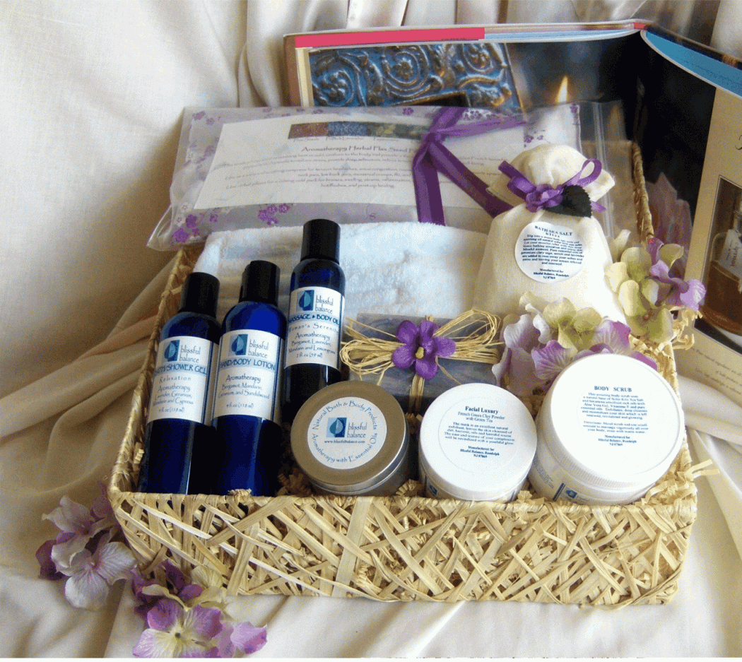 spa_gift_baskets_for_women Picking The Best Gift For Women With Ideas Of Gifts
