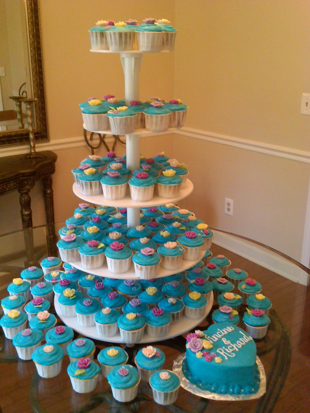 wedding-cake-and-cupcakes Cupcakes Are So Easy To Be Made At Home