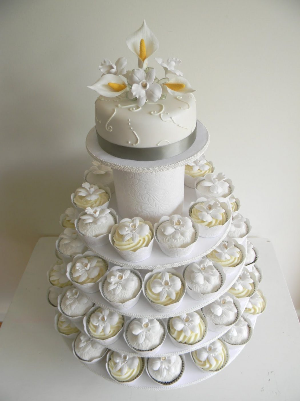 wedding-cake Cupcakes Are So Easy To Be Made At Home