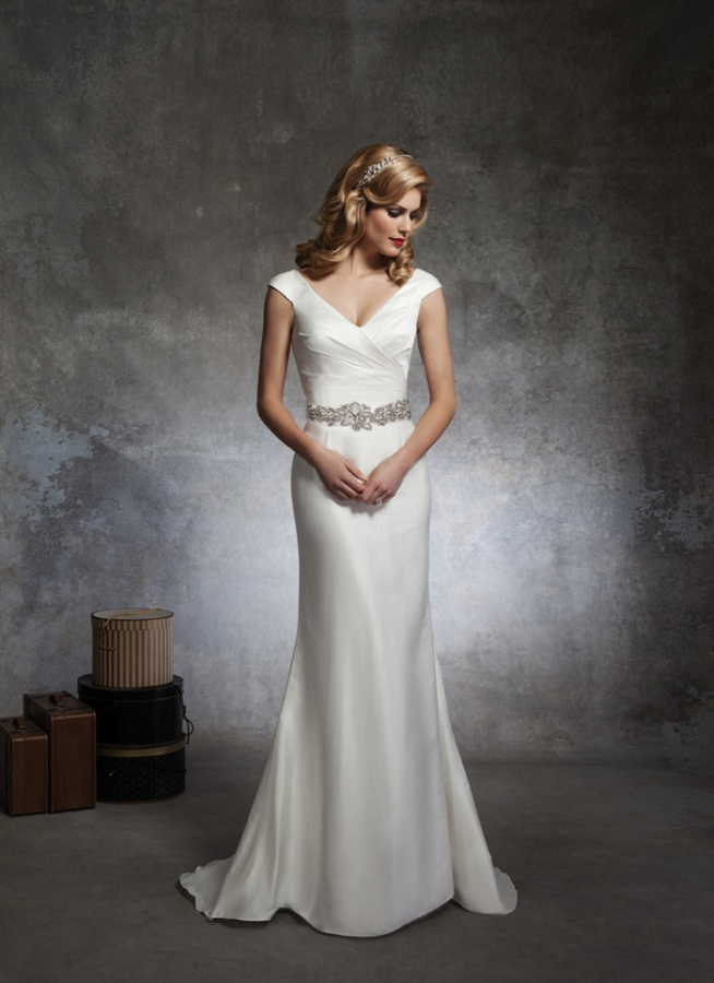 2064423772_8667_w_A026 70 Breathtaking Wedding Dresses to Look like a real princess