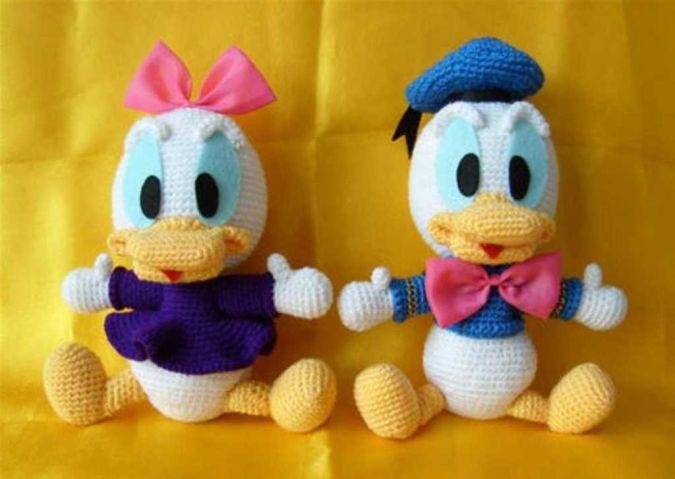 Adorable-Donald-Duck-and-Daisy-Duck-Doll-Adorable-Handmade-Crochet-Doll-Toys 23 Most Creative Handmade Gift Ideas