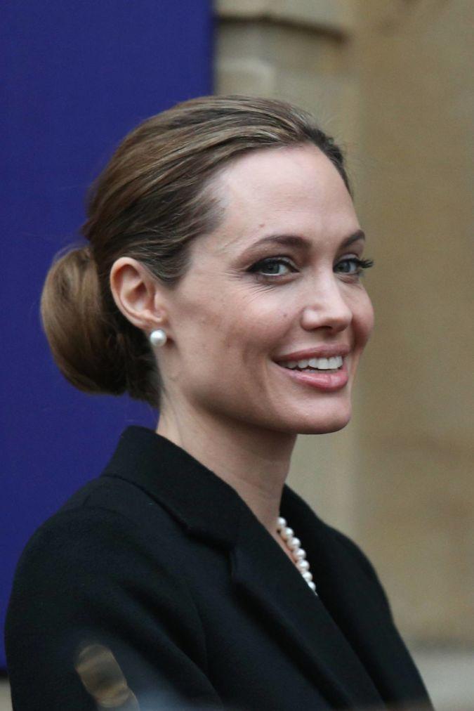 Angelina-Jolie The Secret of Angelina Jolie's Double Mastectomy Is Now Revealed