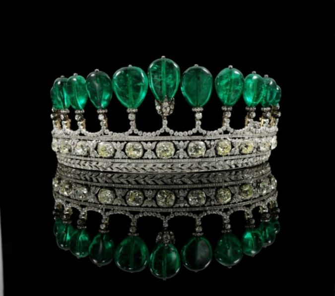 Emerald-Diamond 10 Most Expensive Antiques Ever Sold