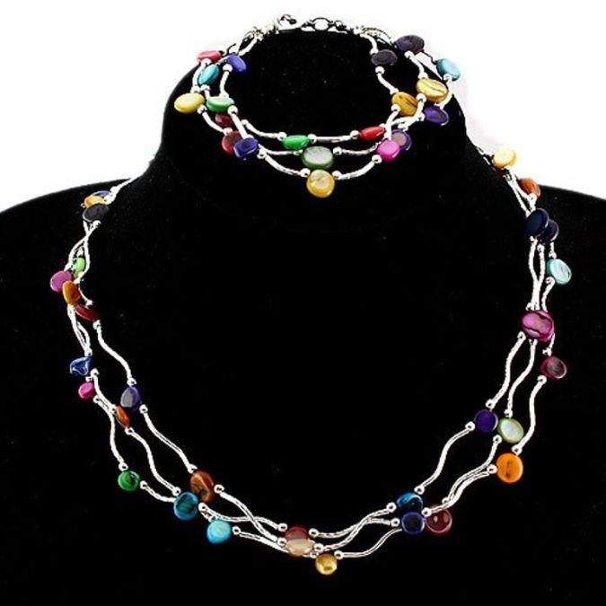 Handmade-Shell-Necklace 23 Most Creative Handmade Gift Ideas