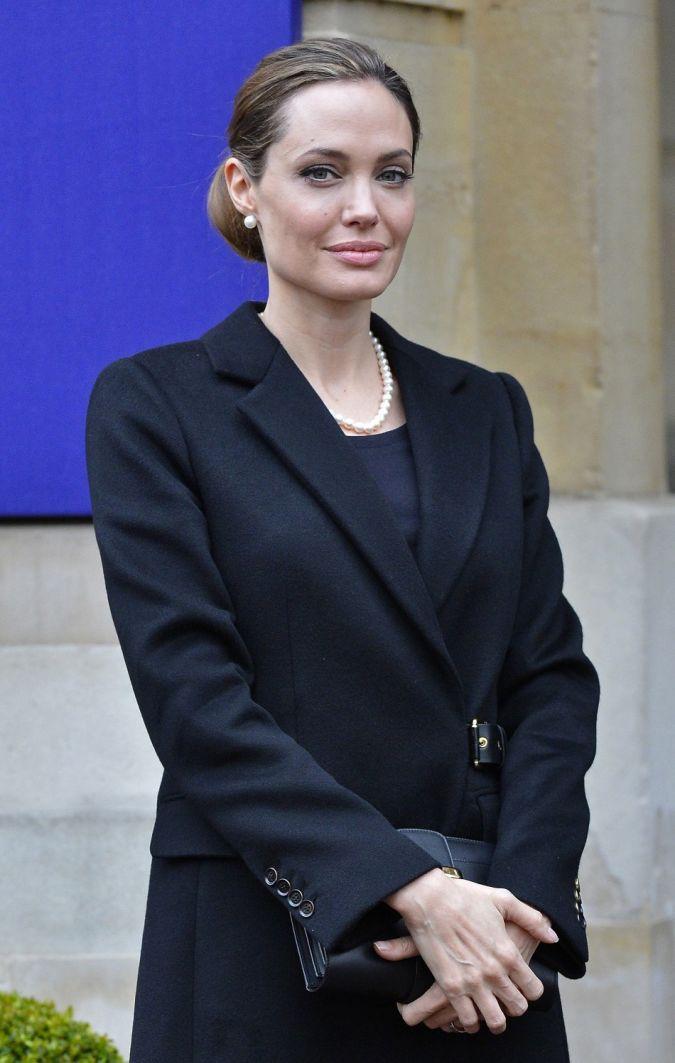 Jolie The Secret of Angelina Jolie's Double Mastectomy Is Now Revealed