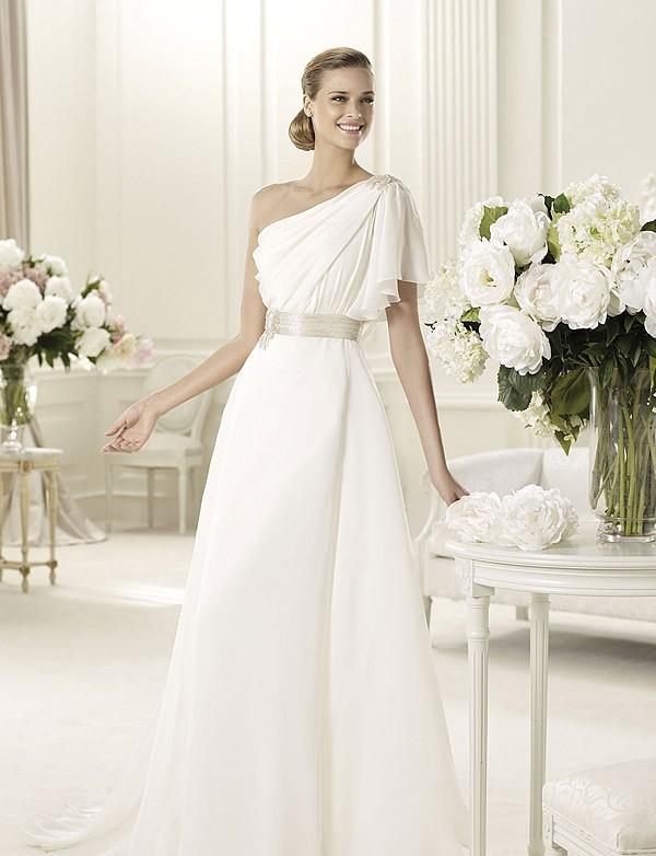 Be a 1920's Gatsby Bride | Glamourdaze  |Spanish Style Wedding Dresses 1920