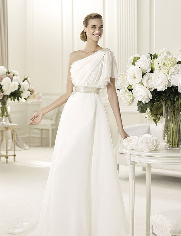 Modern-and-Elegant-Spanish-Style-Wedding-Dresses-with-white-Color-2 70 Breathtaking Wedding Dresses to Look like a real princess