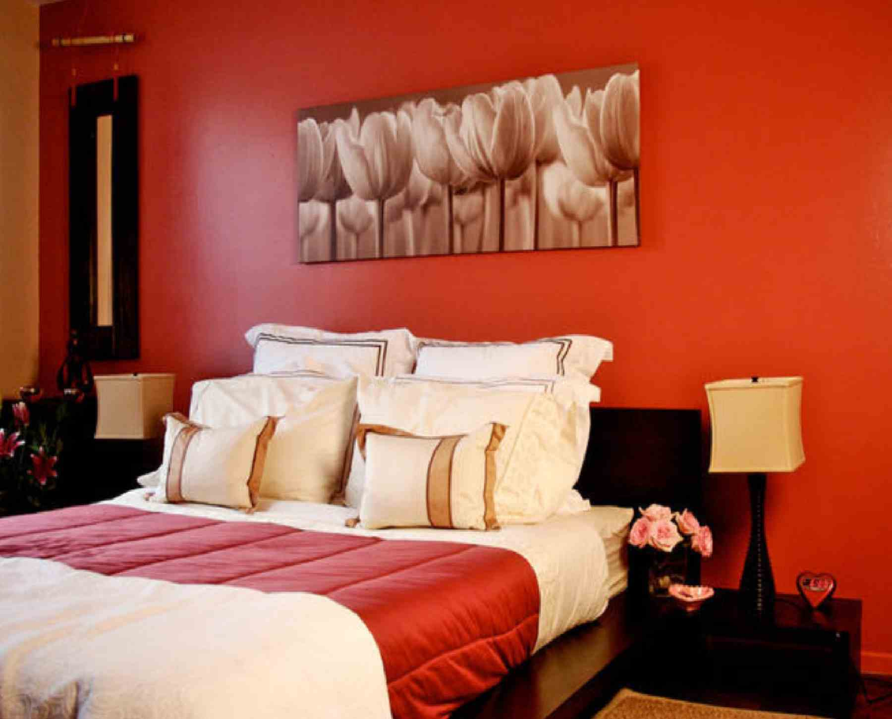 Fabulous orange bedroom decorating ideas and designs for for Romantic master bedroom designs