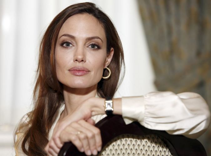 angelina-Jolia The Secret of Angelina Jolie's Double Mastectomy Is Now Revealed