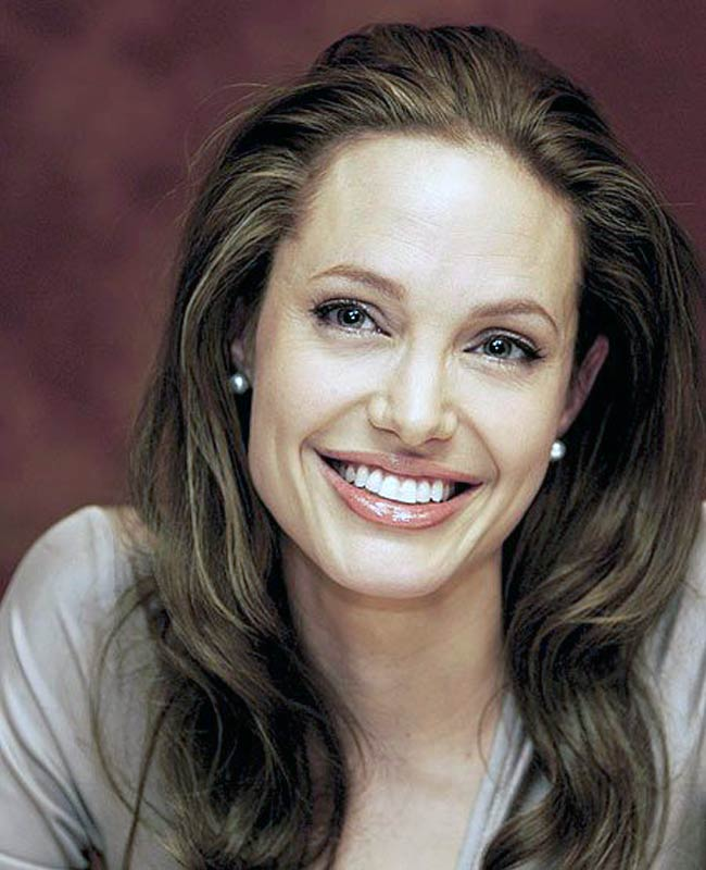 angelina-jolie The Secret of Angelina Jolie's Double Mastectomy Is Now Revealed