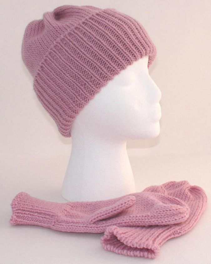 beanie-mittens-pink 23 Most Creative Handmade Gift Ideas
