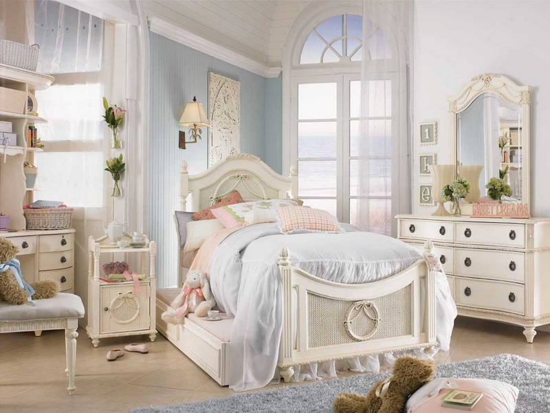 calm-shabby-classy-theme-girls-bedroom-ideas Girls' Bedroom Decoration Ideas and Tips