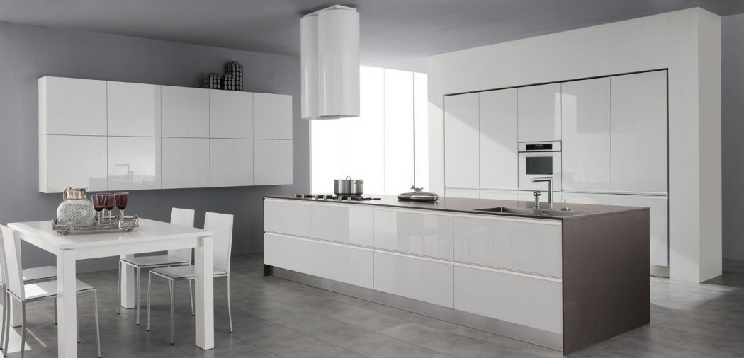 contemporary-high-gloss-lacquer Breathtaking And Stunning Italian Kitchen Designs