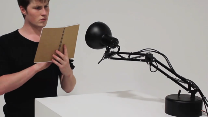 curious-pinokio 35 Amazing Robo Lamps for Your Children's Room