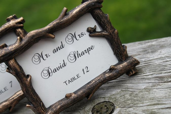 handmade-wedding-finds-for-fall-weddings-escort-card-frames.original 23 Most Creative Handmade Gift Ideas