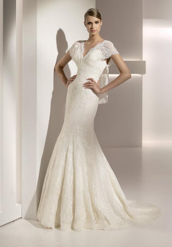 luxury-wedding-dress-065 70 Breathtaking Wedding Dresses to Look like a real princess