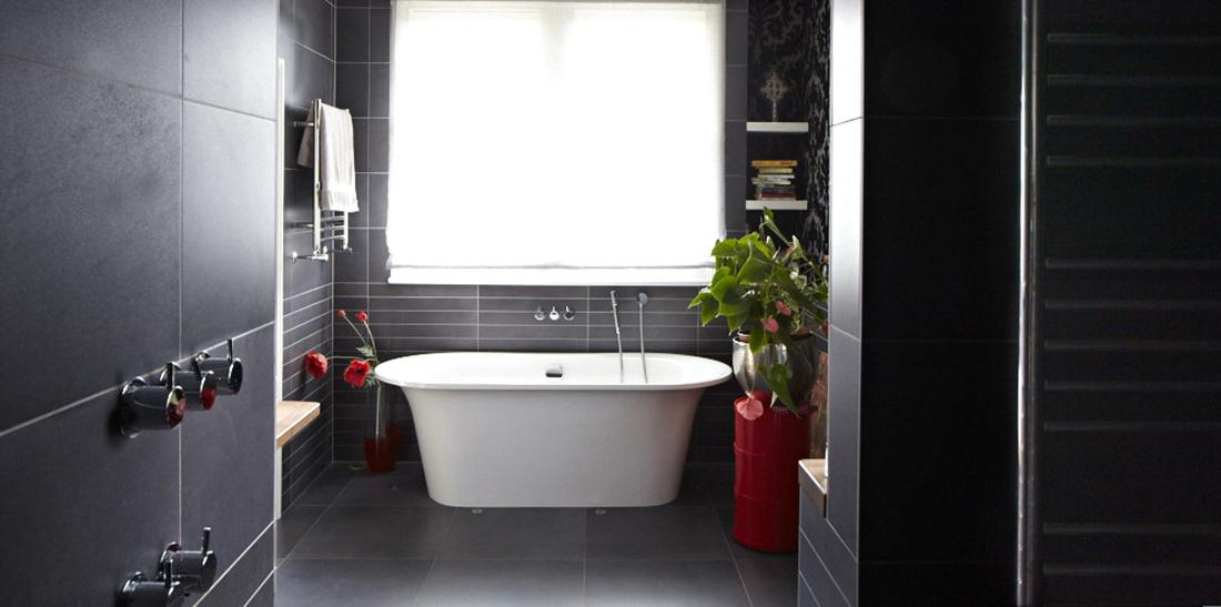 Modern victorian home bathroom black design pouted Modern victorian interior decorating