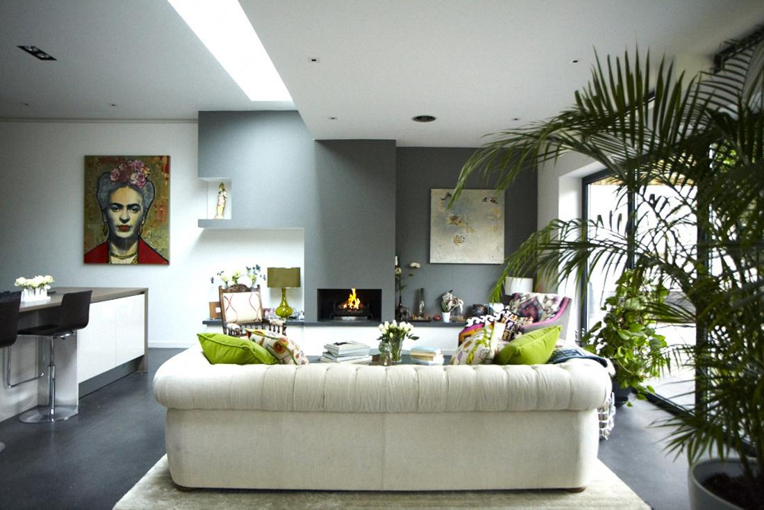 modern-victorian-home-living-space-white-sofa-cushion Stunning And Contemporary Victorian Decorating Ideas